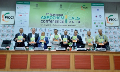 Govt asks agrochem companies to come up with solutions to crop losses