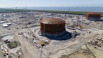 Venture Global raises LNG storage tank roof