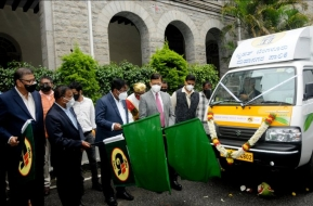 GAIL provides 18 CNG vehicles to Bengaluru municipality